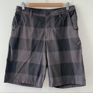 Lululemon Kahuna Golf Shorts Black & Grey Plaid 34